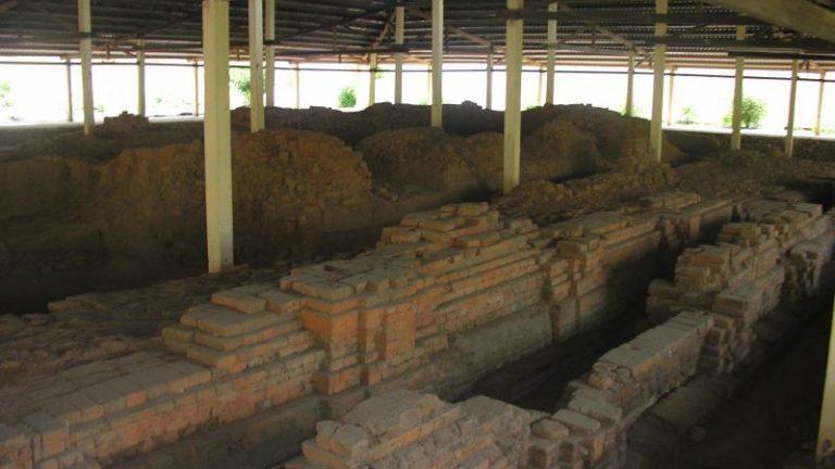 Di tích kiến trúc Lưu Cừ II