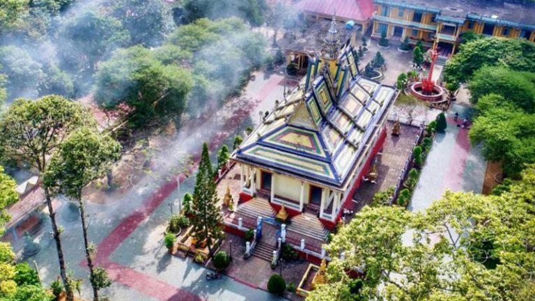 Chùa Hang (Chùa Kamponnigrodha)